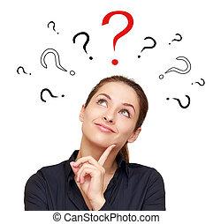 pensée, femme souriante, à, questions, marques, au-dessus, recherche, sur, rouges, signe