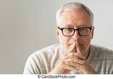 pensée, haut fin, personne agee, lunettes, homme