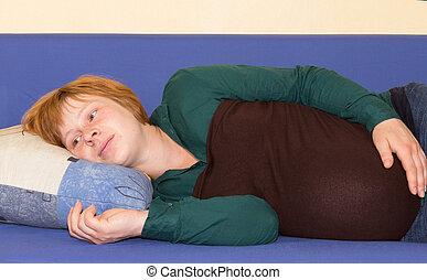 pensée, sofa, femme, mensonge, pregnant
