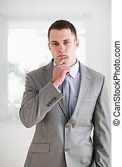 pensamiento, hombre de negocios