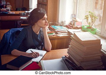 pensamiento, serio, mujer, silence., biblioteca