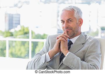 pensando, feliz, homem negócios