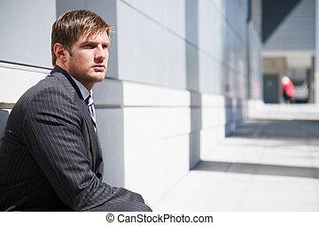 pensando, homem negócios, caucasiano