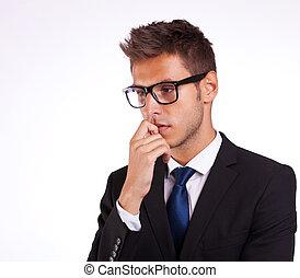 pensando, jovem, homem negócio