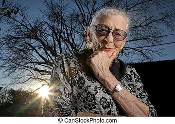 pensare, fuori, donna senior, ritratto
