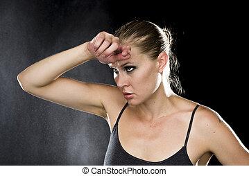 pensativo, atlético, mulher, com, passe testa