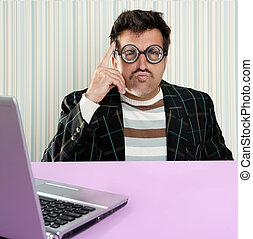 pensativo, computador portatil, tonto, hombre, expresión,...