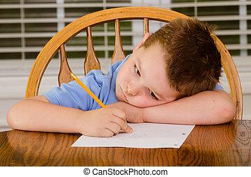 pensativo, criança, fazendo, seu, dever casa
