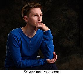 pensativo, pensando, homem jovem