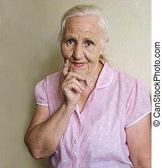 pensif, femme âgée