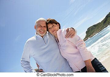 pensioen, oud, paar, hun, het genieten van, strand