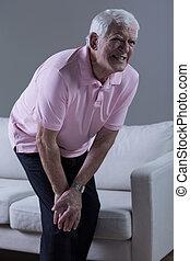 pensionista, tendo, joelho, artrite