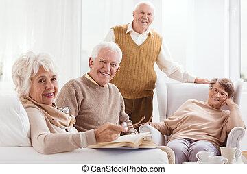 pensionistas, lar, aposentadoria