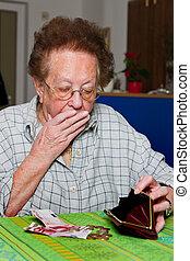 pensionistin, condes, su, dinero, de, pensión
