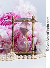 Peony essence vials - Hour glass, pearls and fresh peony...