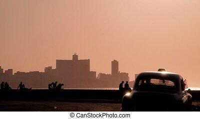 People, Caribbean sea, cars, Cuba - Skyline in La Habana,...