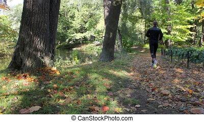 People go running in the autumn Par
