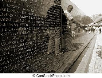 Vietnam war memorial - People in front of the Vietnam war...