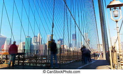 Brooklyn Bridge - People moving in Brooklyn Bridge time...