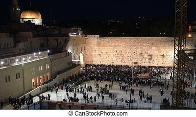 wailing wall jerusalem - people pray at the wailing wall...