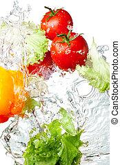pepe, pomodori, campana, isolato, giallo, tre, lattuga acqua, schizzo, fondo, fresco, bianco rosso