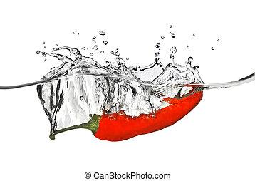 pepe rosso, caduto, in, acqua, con, schizzo, isolato, bianco