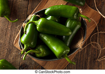 pepers, organisch, groene, jalapeno