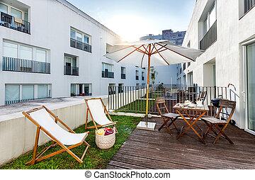 pequeño, medio, casa de pisos, balcón