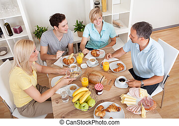 pequeno almoço, desfrutando, família, feliz