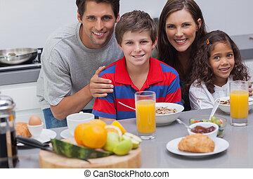 pequeno almoço, durante, família