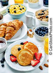 pequeno almoço, fresco, croissants, armando, bagas, panquecas, suco, tabela, flocos