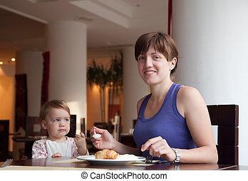 pequeno almoço, tendo, família