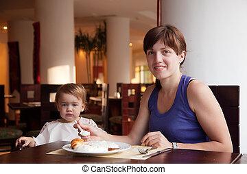 pequeno almoço, tendo, restaurante, família