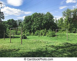 pequeno, campo, futebol, floresta