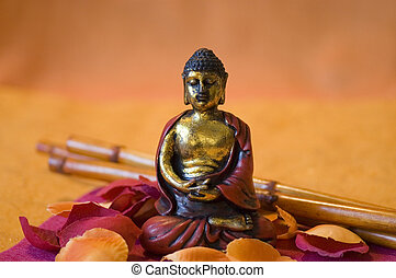 pequeno, colorido, pétalas, sentando, meio, buddha, estátua