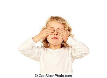 pequeno, criança, cobertura, seu, olhos