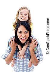pequeno, dela, dar, passeio, piggyback, mãe, menina, feliz