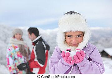 pequeno, dela, neve, pais, menina, tocando