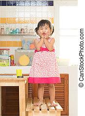 pequeno, dinning, atuando, r, tabela, lar, encantador, crianças, cozinha