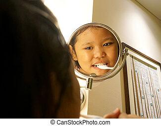 pequeno, escovas, banheiro, menina, dentes