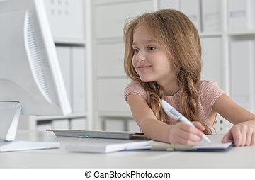 pequeno, estudante, menina, fazer, dever casa