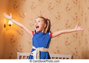 pequeno, feliz, cima, menina, mãos