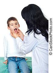 pequeno, menino, exame, doutor