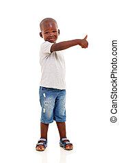 pequeno, menino preto, com, polegar cima