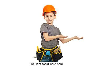 pequeno, menino, trabalhador, apresentação, fazer