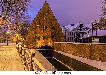 pequeno, moinho, em, gdansk, à noite