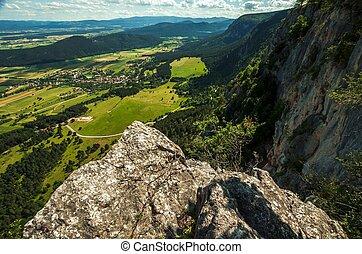 pequeno, montanhas, vista, aéreo, vila