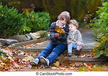 pequeno, seu, irmão, falando, bebê, irmã, tocando, oran