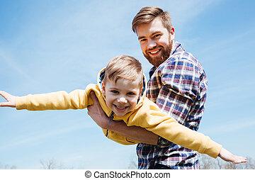 pequeno, seu, parque, pai, junto, filho, tocando