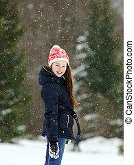 pequeno, snowflurry, neve, enquanto, menina, tocando